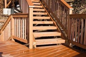 Escaleras de madera para jardín y terraza